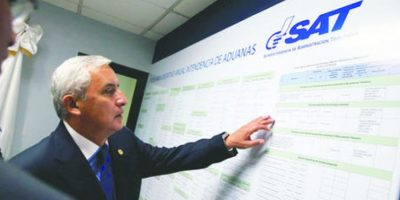 Otto pérez se queda sin la comisión de cambio en sAT