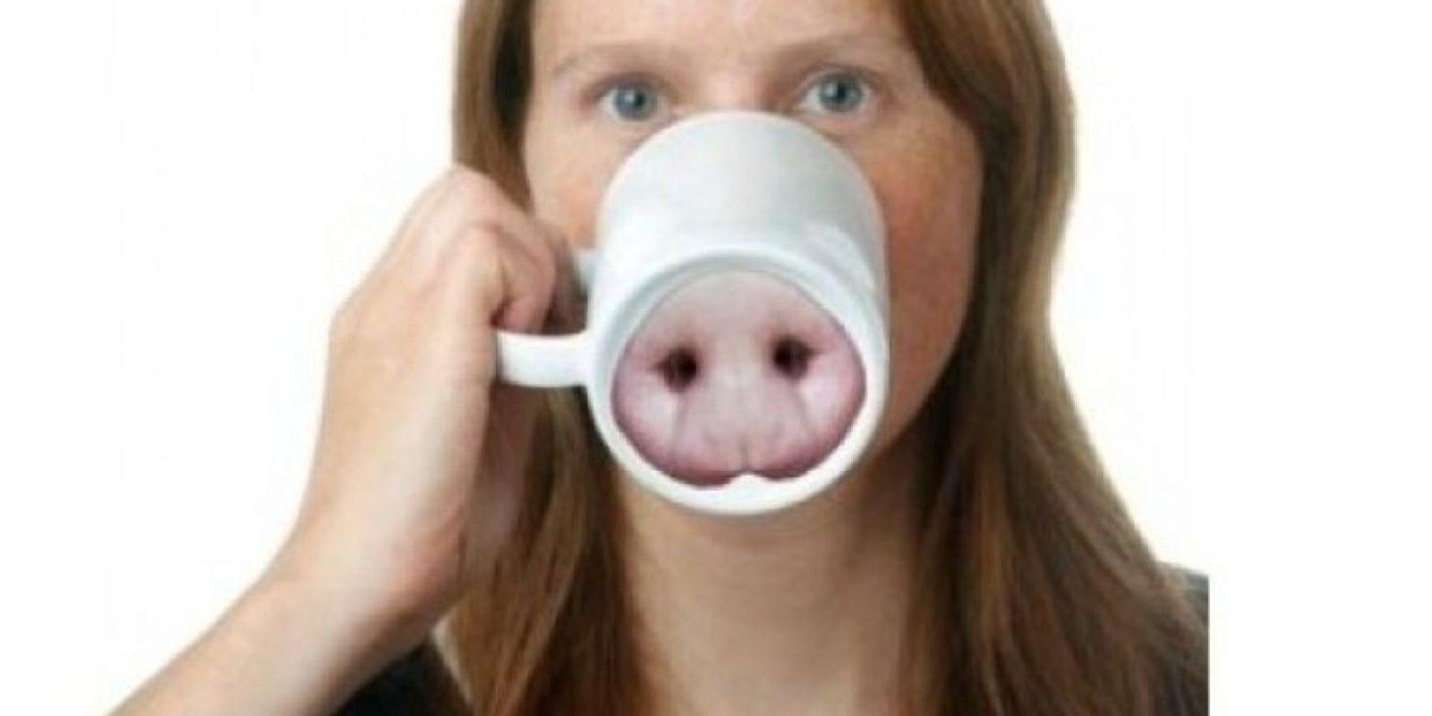 Una taza con base de nariz de puerquito. Eso nunca será buena idea. Foto:zazzle