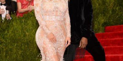 """FOTOS: Kim Kardashian le """"robó"""" el look a Beyonce y fue igualmente criticada"""