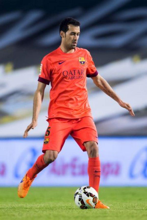 Sergio Busquets jugará como medio de contención Foto:Getty Images