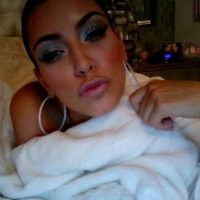 "La empresaria apareció completamente desnuda en la portada de la revista ""Paper"" Foto:Instagram/Kimkardashian"
