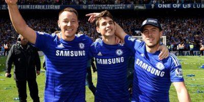 La felicidad de un campeonato la reflejan el inglés John Terry, el brasileño Oscar y el belga Eden Hazard. Foto:Vía twitter.com/chelseafc