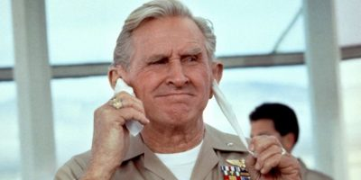 """Lloyd Bridges era el teniente """"Thug Benson"""", que luego llegó a ser presidente de los Estados Unidos. Estaba loco y senil, de paso. Foto:vía 20th Century Fox"""