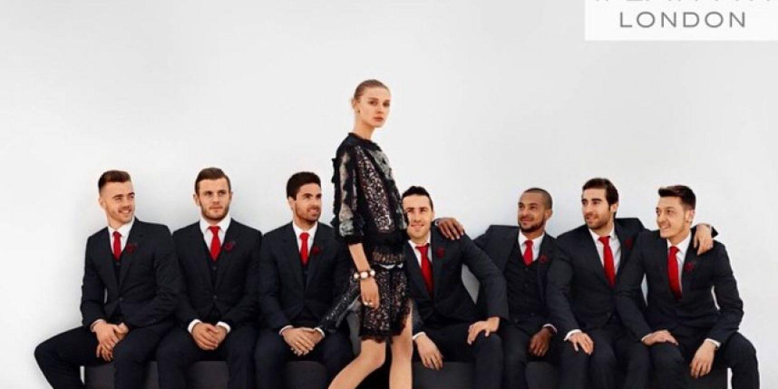 """Los """"Gunners"""" son vestidos por la casa de modas francesa """"Lanvin"""". Foto:Vía facebook.com/LANVINOfficial"""