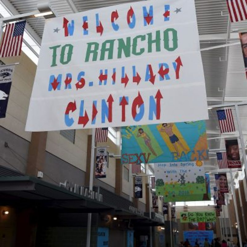 La candidata asistió a la secundaria Rancho High School de las Vegas para dar sus declaraciones. Foto:Getty Images