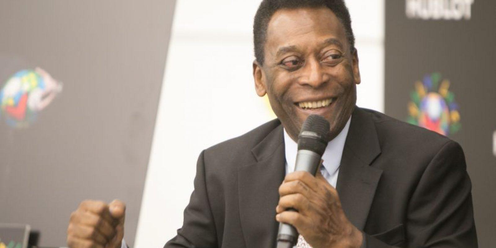 Dias más tarde, Pelé fue internado e ingresado en terapia intensiva por una infección urinaria. Foto:Getty Images