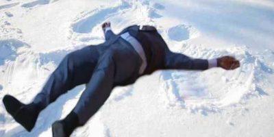 Divirtiéndose en la nieve. Foto:Vía twitter.com