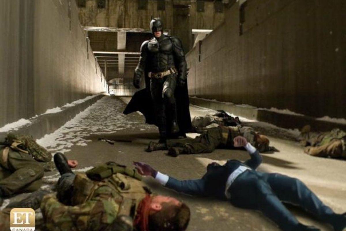 Batman, sorprendido por su hallazgo. Foto:Vía twitter.com