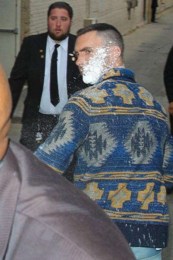 El atacante fue detenido rápidamente por el equipo de seguridad del estudio. Foto:Grosby Group
