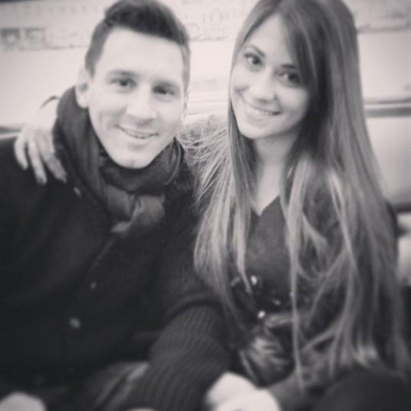 """En 2004, un Messi de 17 años volvió a Rosario y de """"casualidad"""" se topó con Antonella que ese día no fue a clases. Su relación renació a partir de ese momento. Foto:Vía instagram.com/antoroccuzzo88"""