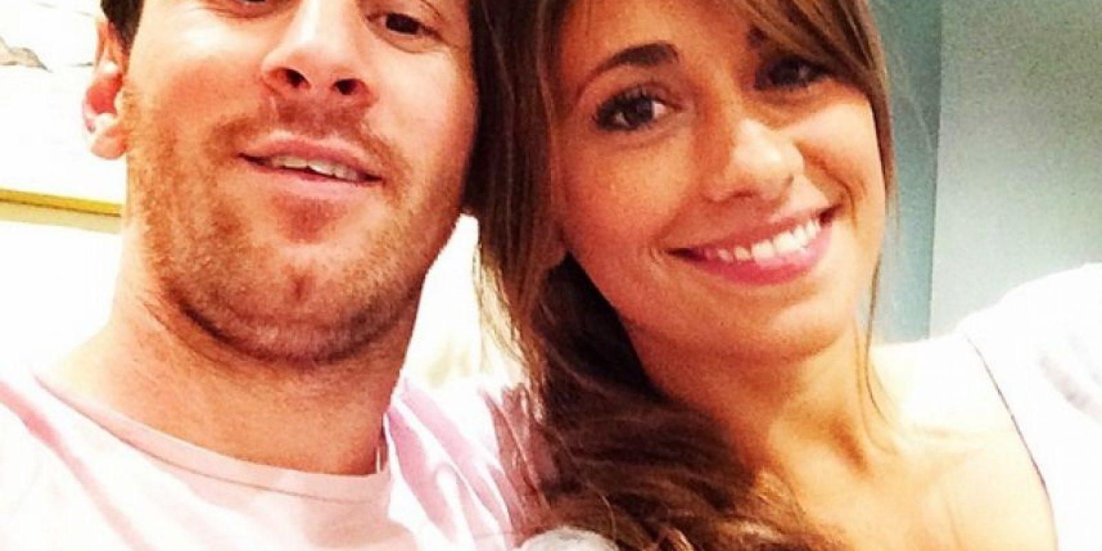 """La confirmación """"oficial"""" se dio en 2009, cuando ambos fueron captados en Barcelona tomados de la mano. Foto:Vía instagram.com/antoroccuzzo88"""