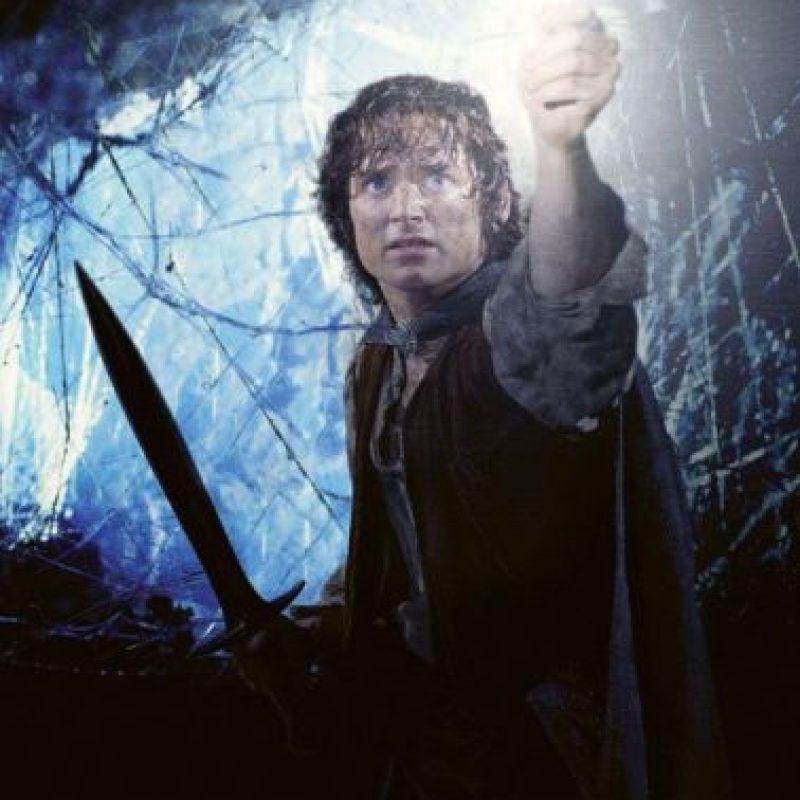 """Interpretó a """"Frodo Bolsón"""", es el encargado de llevar el anillo único y destruirlo. Foto:vía facebook.com/lordoftheringstrilogy"""