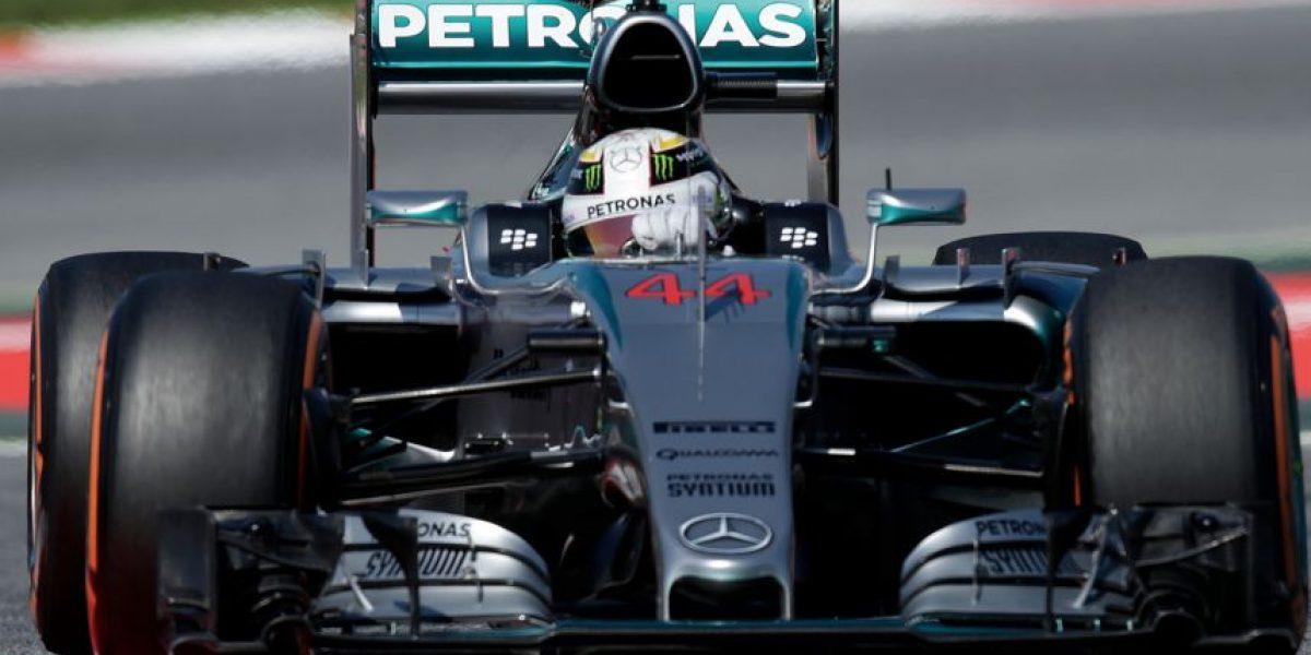 Hamilton rechina sus neumáticos hacia el Gran Premio de España