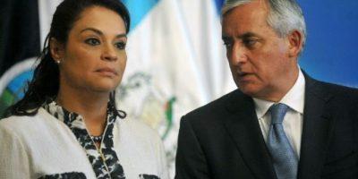 """Presidente pide a ministros """"seguir trabajando"""" luego de renuncia de Baldetti"""