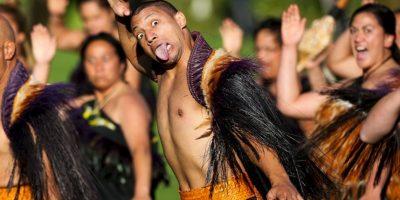 Los maoríes le dan la bienvenidos al príncipe Harry en Casa de Gobierno en Wellington. Foto:Getty Images