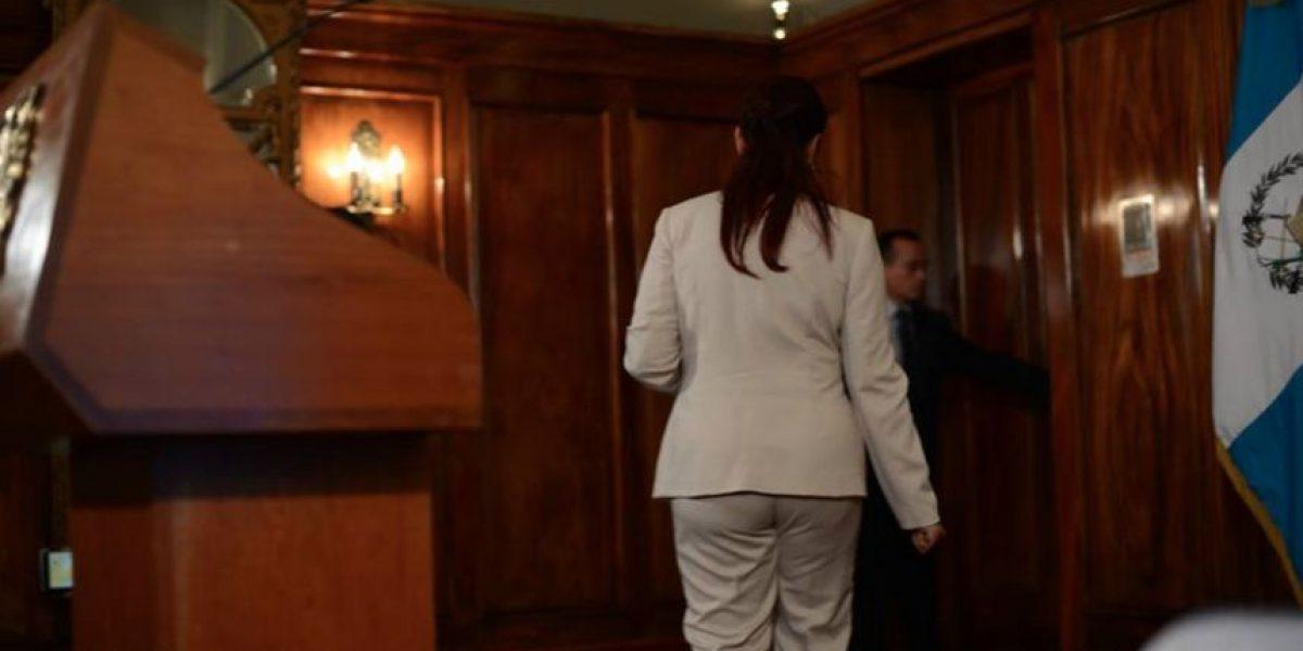 ENVIVO. Pérez anuncia renuncia de vicepresidenta Baldetti