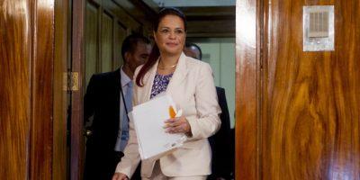 GUATEMALA: Renuncia vicepresidenta tras escándalo de fraude
