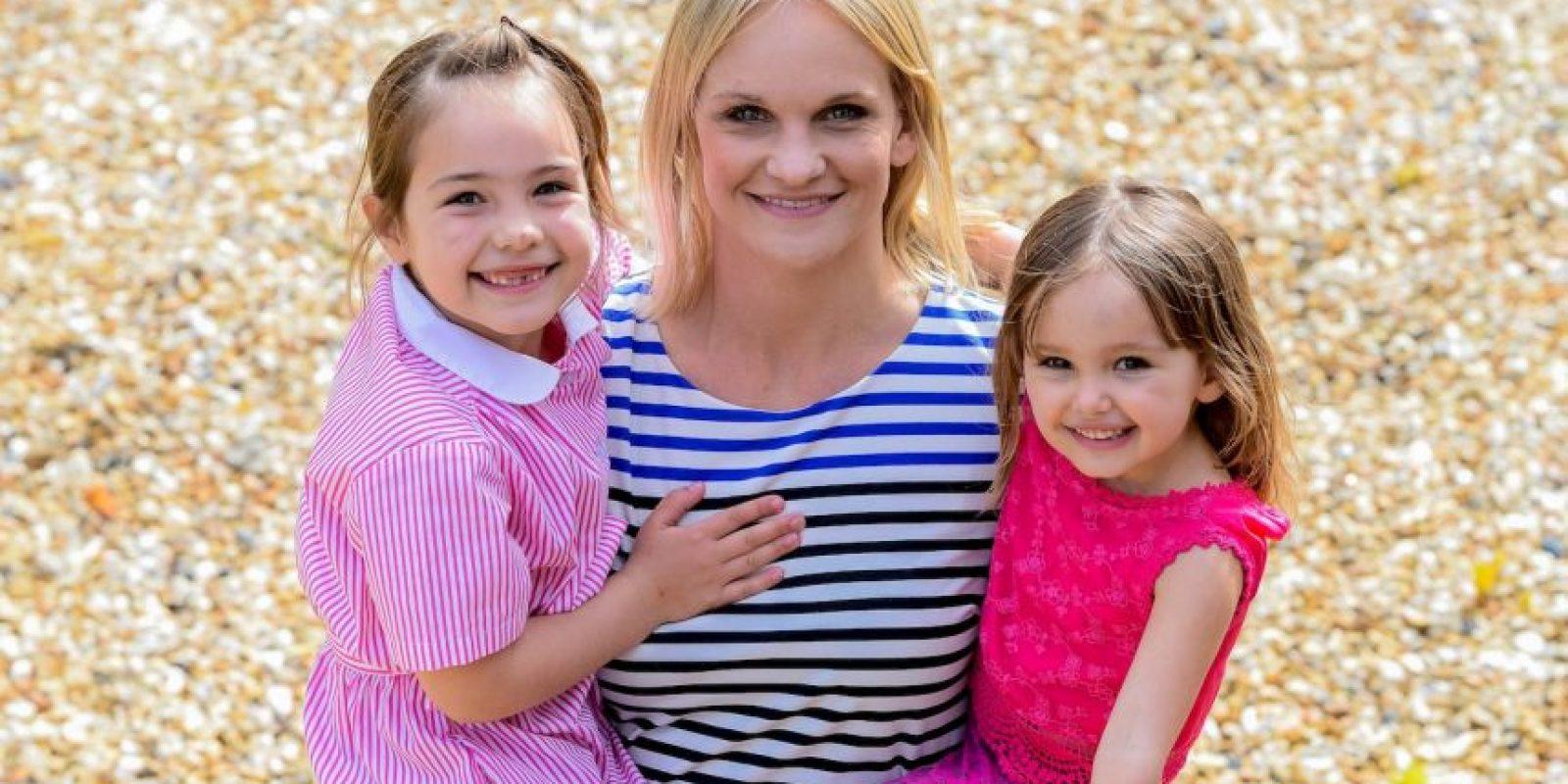 Su tercera opción fue ir a buscar a su vecina, Pam Bancroft, quien llamó a los paramédicos, los cuales le salvaron la vida a Sarah de 36 año Foto:Grosby Group