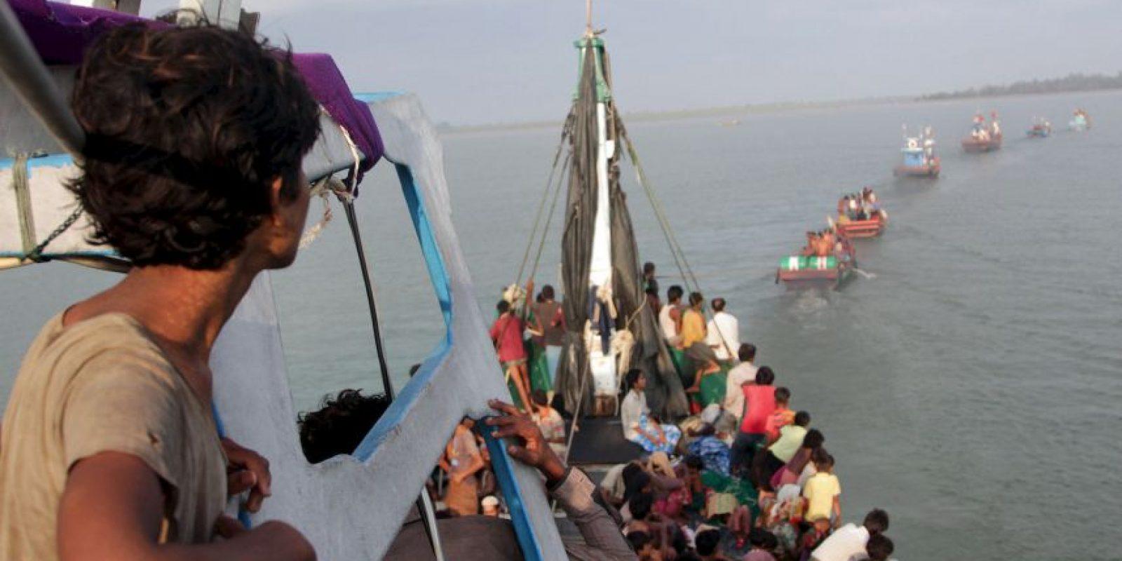 Rescatan inmigrantes ilegales en Indonesia. Foto:AFP