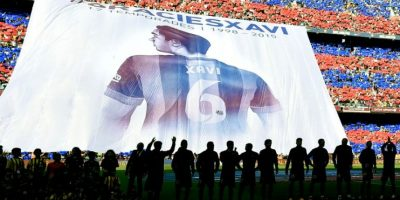 Barcelona se corona campeón de España en un Camp Nou rendido a Xavi