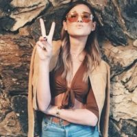 """La joven modelo, de 22 años, obtiene desde cinco mil hasta 15 mil dólares por una sola publicación en esta red social, de acuerdo con la investigación de """"Harper's Bazaar"""". Foto:Vïa instagram.com/weworewhat/"""