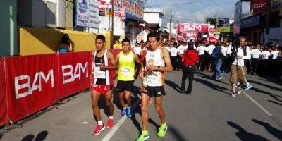 Se corre la fiesta del Medio Maratón de Cobán