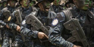Capacitan a policías para proteger puertos y aeropuertos
