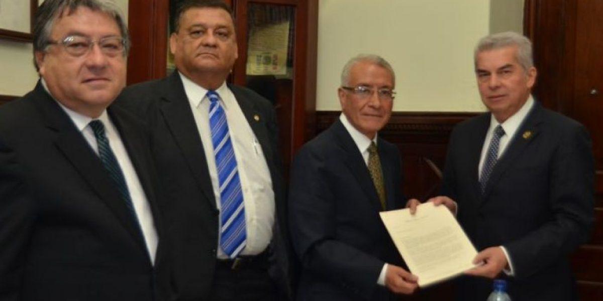 Reformas del TSE proponen que se limite la reeleción