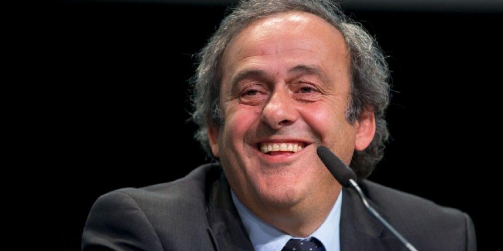 Incluso, llegó a poner en duda la colaboración de la UEFA con la FIFA, si Blatter era reelegido. Foto:Getty Images