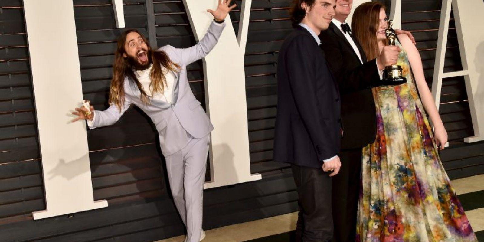Acción de moverse dentro de una fotografía, de manera graciosa o como una broma. Foto:Getty Images
