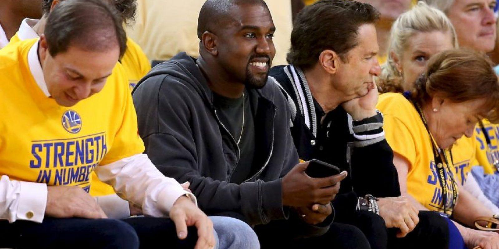 El rapero fue abucheado por el público en la Oracle Arena de Oakland, California. Foto:Getty Images