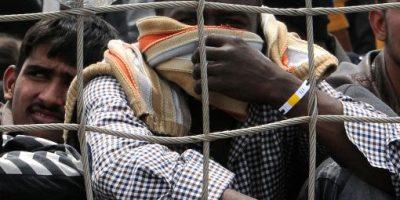 Más de 4 mil inmigrantes restacados en aguas de Italia