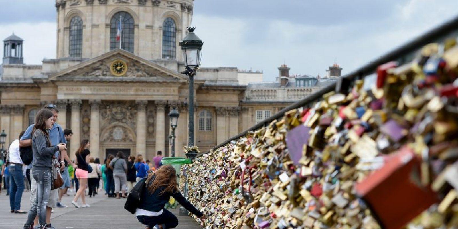 Representan una degradación del patrimonio y un riesgo para la seguridad de los visitantes, parisinos y turistas. Foto:Getty Images