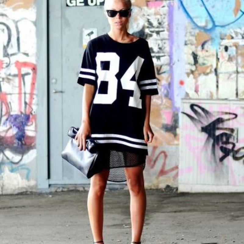 """Hoy el """"sporty chic"""" permite muchas cosas. Foto:vía Bloglovin"""