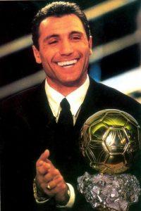 Como futbolista, Stoitchkov ganó el Balón de Oro de 1994. Foto:Vía twitter.com/Hristo8Official