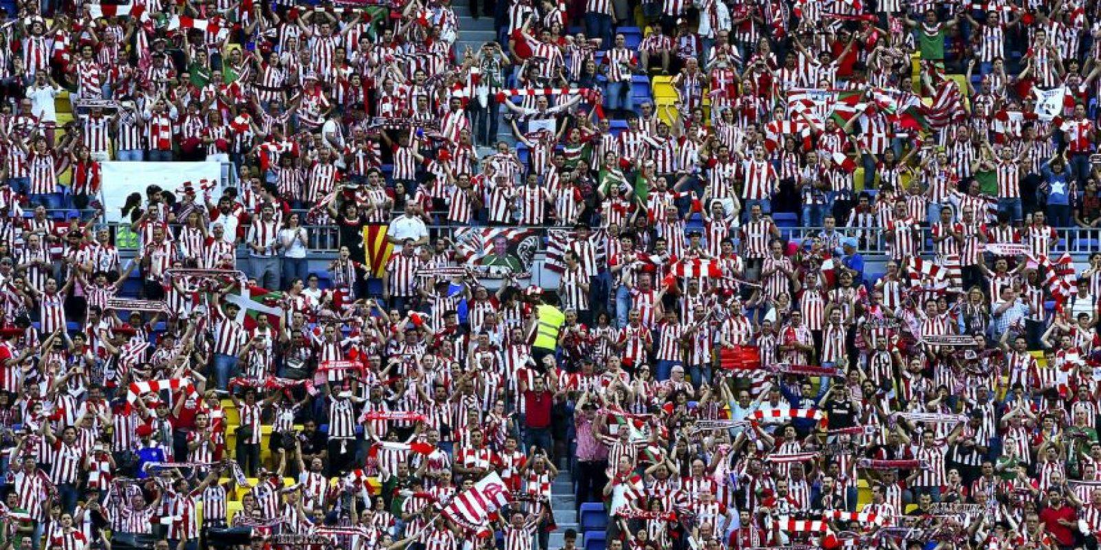 En algunos momentos, la afición del equipo vasco pareció ser mayoría. Foto:Getty Images