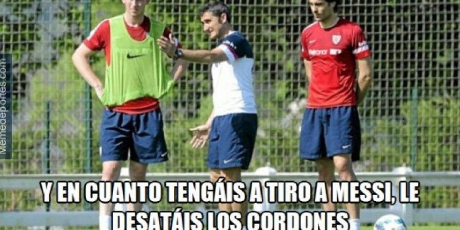 La única manera de detener a Messi. Foto:memedeportes.com