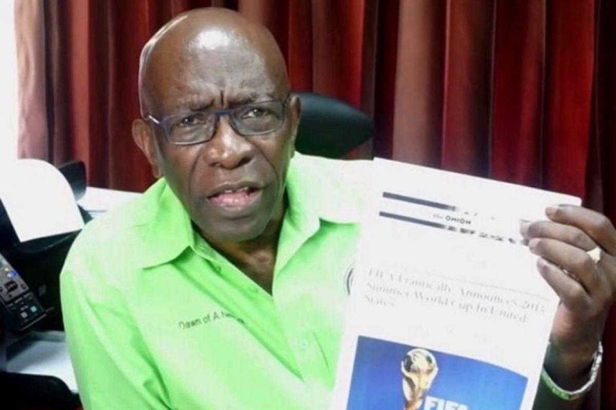 """El exvicepresidente de la FIFA utilizó un artículo del sitio """"The Onion"""" Foto:Facebook: Jack Warner (Official Page)"""