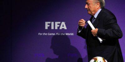 Blatter dimite y convoca congreso extraordinario