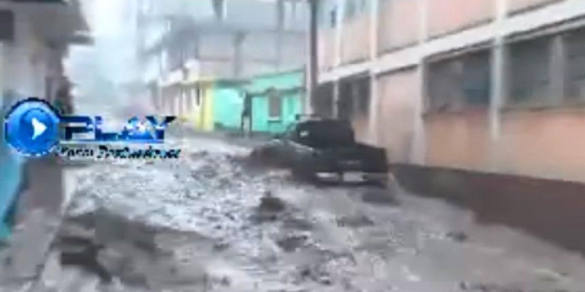 VIDEO. Momento preciso en el que la corriente arrastra vehículo en Quetzaltenango