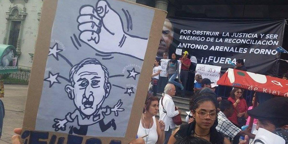 EN IMÁGENES. Con fuertes mensajes guatemaltecos exigen #JusticiaYa