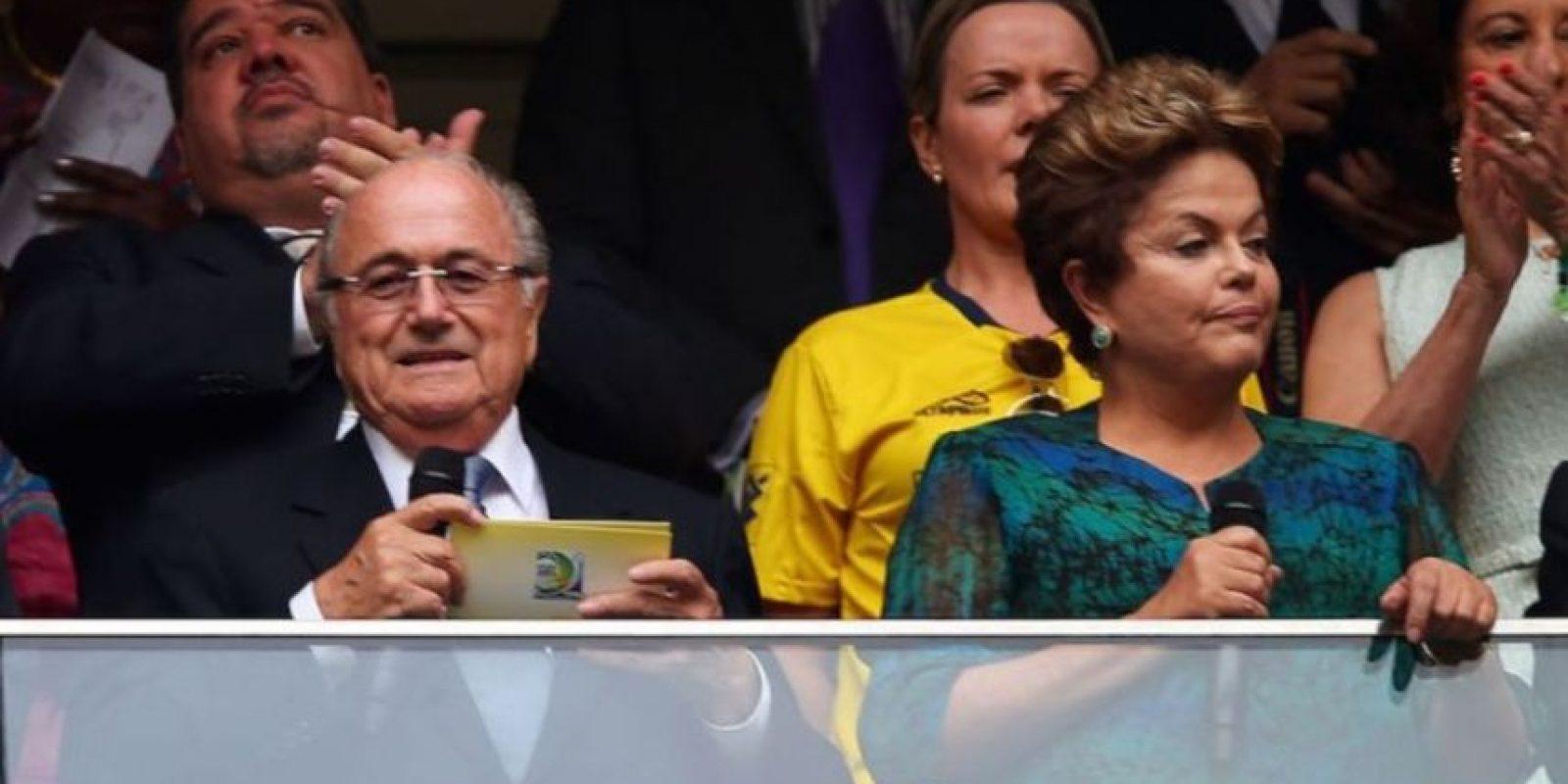 Dilma Rousseff y Sepp Blatter, presidente de la FIFA, en la Copa Confederaciones 2013. Foto:Getty Images