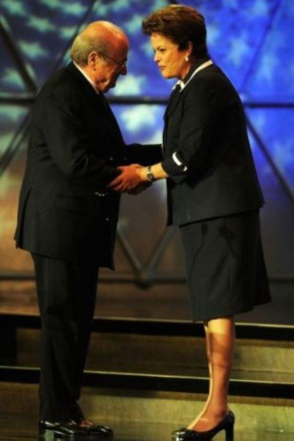 Dilma Rousseff y Sepp Blatter en un evento durante 2011. Foto:Getty Images