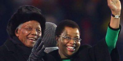Previo a la final del Mundial Sudáfrica 2010, Mandela dio un paseo por el estadio Soccer City. Foto:Getty Images