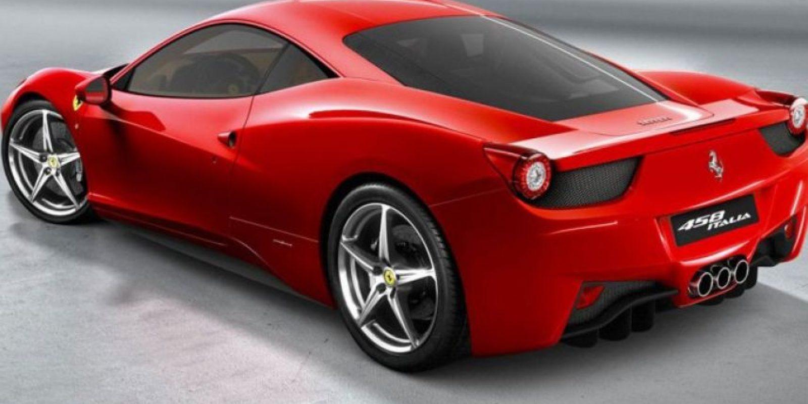 Alcanza las 9000 rpm y consta de una transmision de 7 cambios. Foto:ferrari.com
