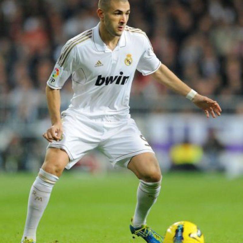 Para 2011/2012 se optó por usar el dorado como tono principal. Combinado con blanco en el primer uniforme. Foto:Getty Images