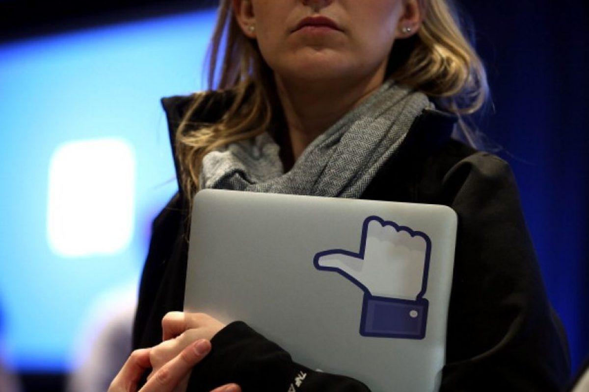 """El CEO de la red social más popular del mundo aseguró que, además, pasa mucho tiempo fuera de su lugar de trabajo """"en reuniones con la gente, pensando cómo conectar el mundo y sirviendo a nuestra comunidad de la mejor forma posible"""". Foto:Getty Images"""