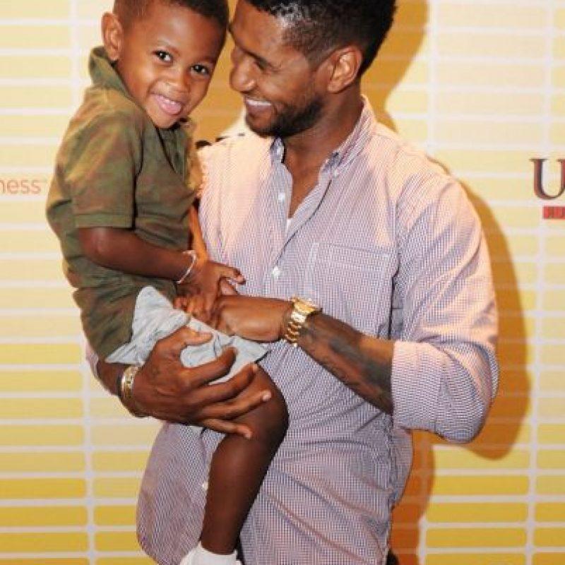 Es padre de Naviyd Ely y Usher Raymond V. Consiguió la custodia primaria de sus hijos, tras su divorcio con Tameka Foster. Foto:Getty Images