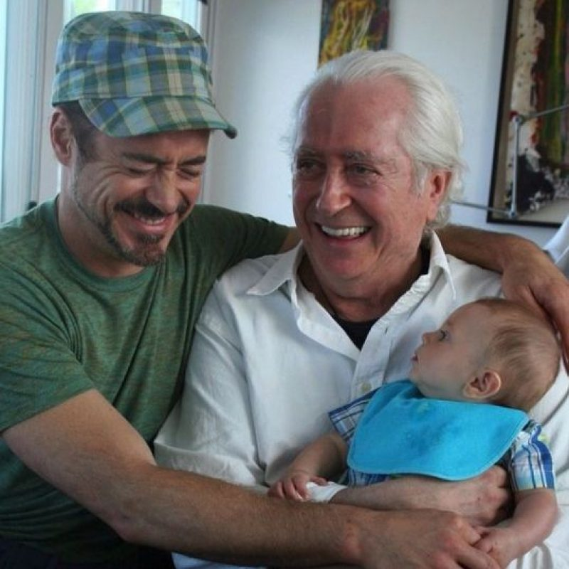 Robert Downey Jr. junto a su padre e hijo Foto:vía instagram.com/robertdowneyjr