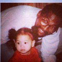 Y también publicó una antigua foto con su padre Foto:vía instagram.com/beyonce